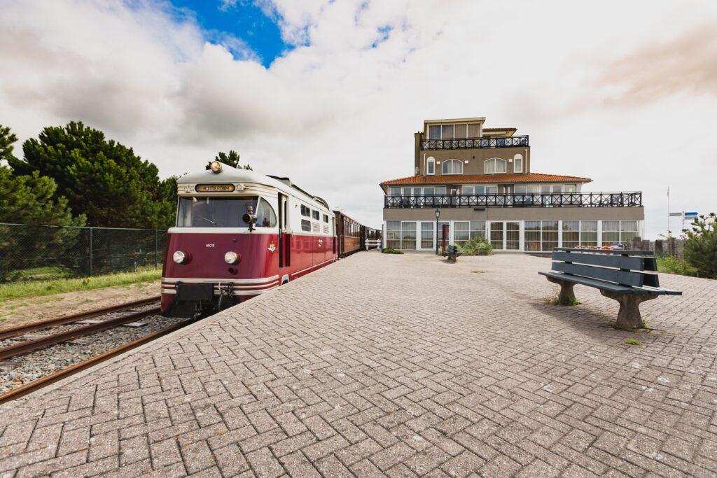 Ritje met de RTM-tram langs Residence Kabbelaarsbank